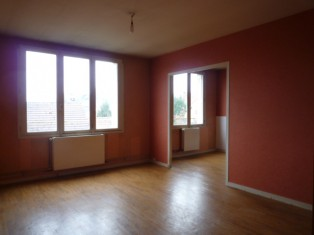 BOURGES - GOULEVENTS : APPARTEMENT A RENOVER